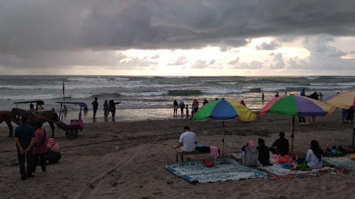 Sebanyak 9.540 Wisatawan Tercatat Kunjungi Pantai Selatan Bantul Pada Libur Natal Ini