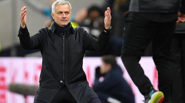 Ekspresi Jose Mourinho ketika Tottenham Hotspur menjamu Liverpool pada Januari 2020