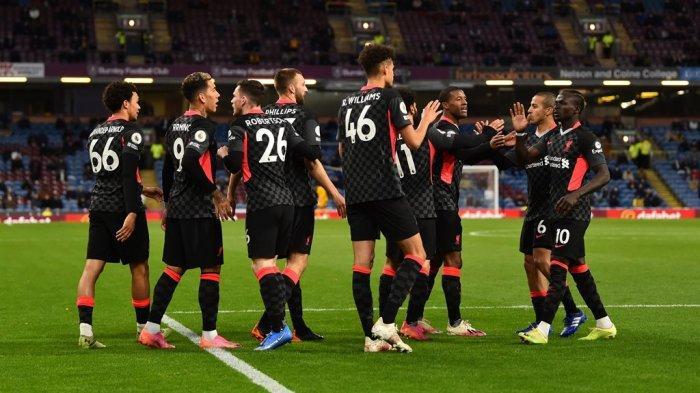 Selebrasi pemain Liverpool seusai mencetak gol ke gawang Burnley pada lanjutan Liga Inggris di Turf Moor, Kamis (20/5/2021) dini hari.