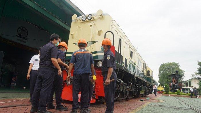 PT Kereta Api Indonesia (Persero) menghadirkan kembali livery lokomotif tahun 1953 - 1991 pada 1 unit lokomotif CC 201. Peluncuran lokomotif CC 201 dengan livery vintage ini diresmikan oleh Direktur Utama KAI Didiek Hartantyo di Balai Yasa Yogyakarta, Minggu (28/2/2021).