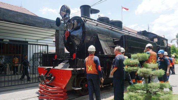 lokomotif-uap-d1410-ketika-menjalani-ujicoba-di-jalur-tes-balai-yasa-yogyakarta.jpg