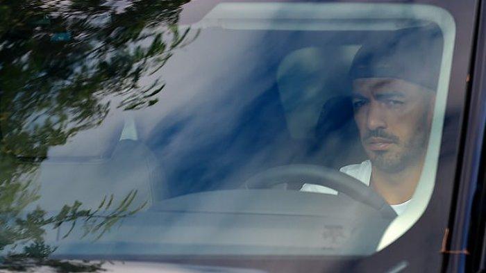 Luis Suarez datang ke pelatihan perdana Barcelona di era Ronal Koeman