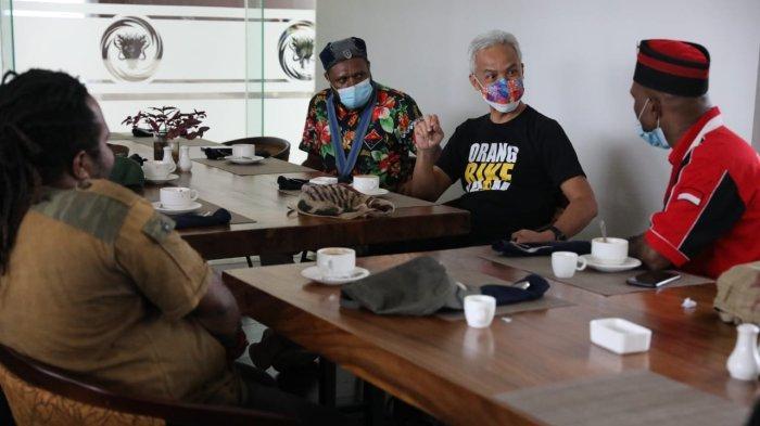 Aktivis Mahasiswa Cipayung Papua Mendadak Datangi Ganjar Pranowo saat Berada di Jayapura