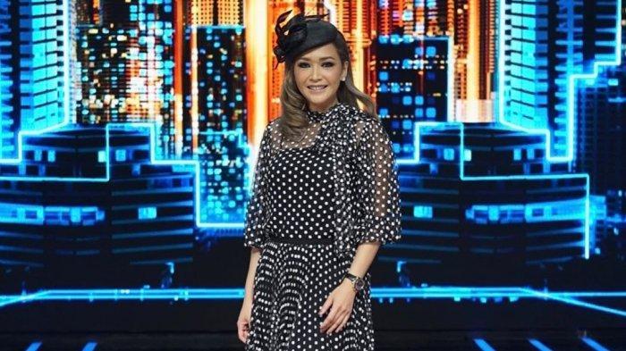 Ketika Maia Estianty Sebut Nama Mulan Jameela di Acara Indonesian Idol X
