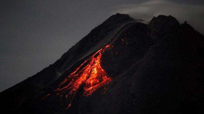 BREAKING NEWS : Terjadi Awan Panas Guguran Beruntun di Gunung Merapi Malam Ini, Kamis 4 Maret 2021
