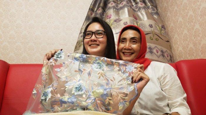 Manggung di Yogyakarta, Nella Kharisma Sempatkan Wisata Belanja Kain Kiloan