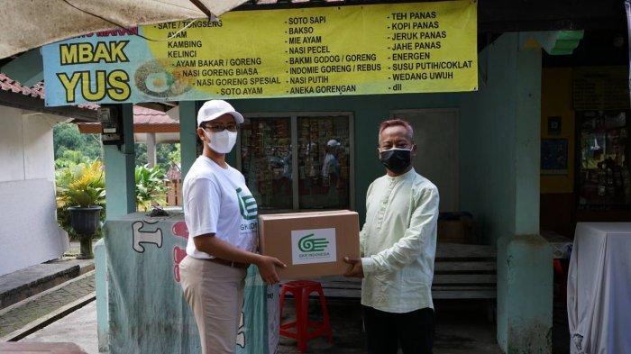 GKR Mangkubumi Menyimak Curhat Pelaku Wisata di Kaliurang Dan Menyerahkan Paket Bantuan