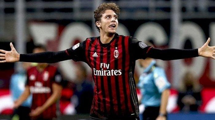 Manuel Locatelli merayakan gol AC Milan ke gawang Juventus pada lanjutan Serie A di San Siro, Sabtu (22/10/2016).