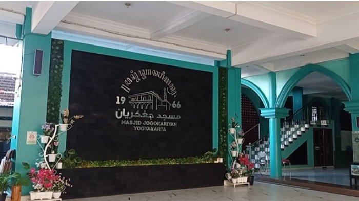 Masjid Jogokariyan Tetap Selenggarakan Salat Tarawih Berjemaah dengan Penerapan Protokol Kesehatan