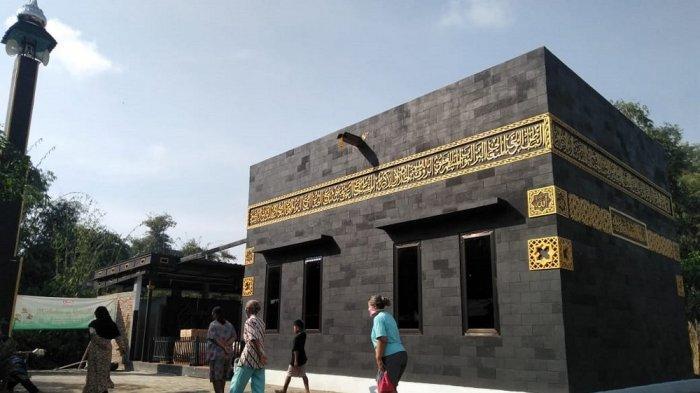 Mengintip Uniknya Masjid Berbentuk Ka'bah di Kampung Warna-warni Kota Magelang