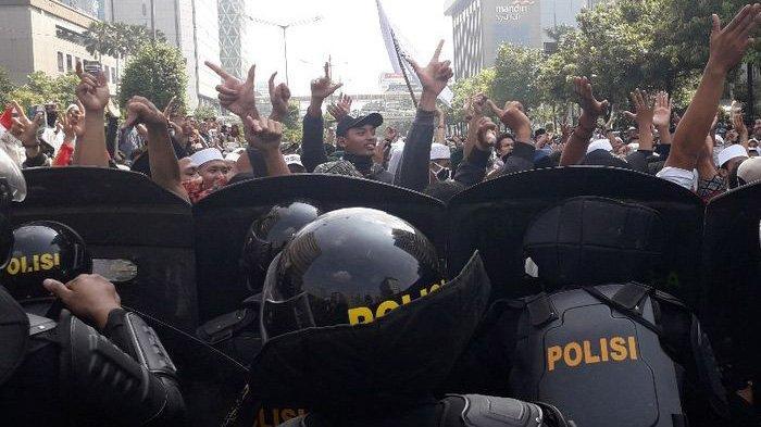 Massa di Sarinah Bubar dengan Tertib, Peserta Aksi 22 Mei Doakan dan Sanjung Kepolisian