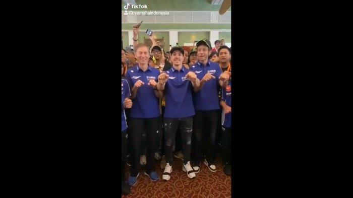 MotoGP 2020: Datang ke Jakarta, Valentino Rossi dan Maverick Vinales Asyik Joget Tik Tok