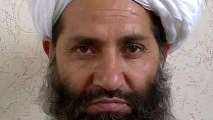 Mawlawi Hibatullah Akhundzada adalah seorang politikus sekaligus pemimpin agama yang menjadi Panglima Tertinggi ketiga Taliban