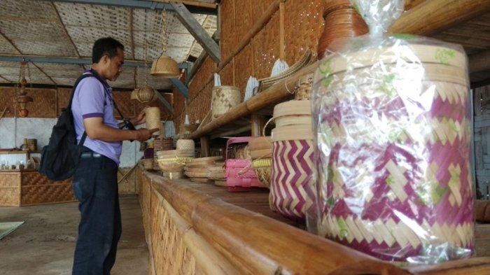 Warga Dusun Muntuk Bantul Berhasil Olah Bambu Jadi Kerajinan Bernilai Jual