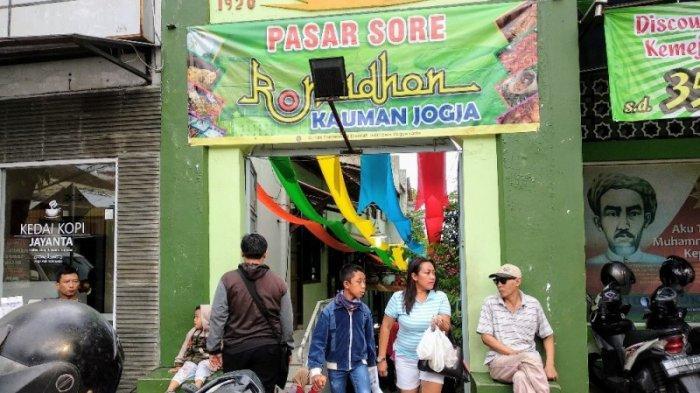 Melihat Geliat Pasar Sore Kauman, Tempat Berburu Kuliner Penganan Legendaris di Yogyakarta