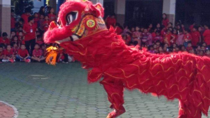 Memeriahkan Tahun Baru Cina, SD Tarakanita Bumijo Gelar Pementasan Barongsai