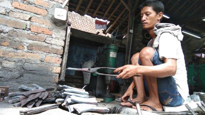 Bermula dari Keahlian Seorang Mpu Sepuh, Kampung Ngledok Klaten Jadi Sentra Pandai Besi