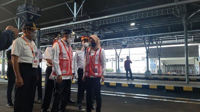 Menhub Budi Karya Tinjau Keamanan Stasiun Tugu Yogyakarta Sebelum Presiden Jokowi Datang