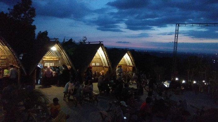 Menikmati Gemerlap Yogyakarta dari Puncak Sosok Bantul