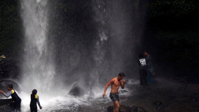 Menyatu dengan Alam di Sendang Gile, Air Terjun Nan Eksotik di Pedalaman Hutan Pulau Lombok