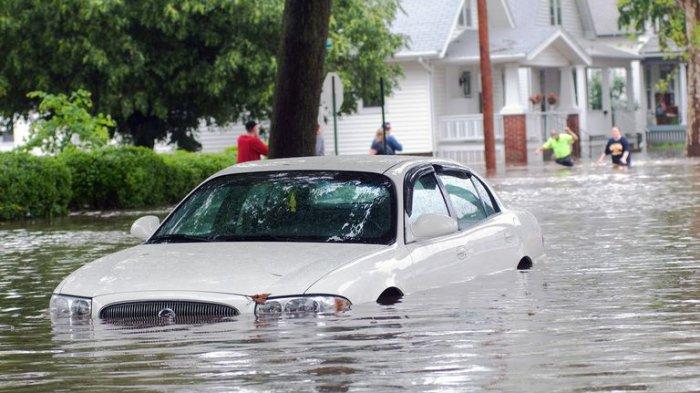 Ada 3 Risiko Jika Mobil Anda Terendam Banjir, Apa Saja ? Simak Ulasannya Berikut Ini