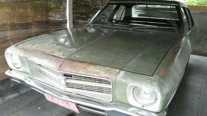 Mobil Holden Kingswood yang jadi kendaraan dinas Pimpro Pemugaran Candi Borobudur 1973-1983, Prof Dr Ir Soekmono di kompleks Balai Konservasi Borobudur