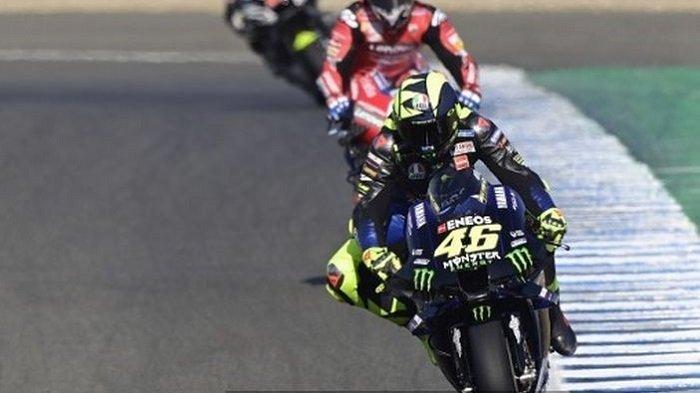 Valentino Rossi dan para pebalap MotoGP dalam sesi latihan bebas (FPI) di Sirkuit Jerez, Spanyol, menjelang MotoGP Andalusia.