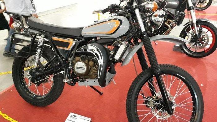Penampakan Motor Trail Hasil Kawin Silang Yamaha RX-Z dan Ninja 150