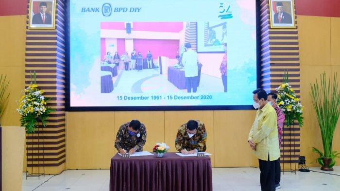Bank BPD DIY dan PT Jogjasolo Marga Makmur Tanda Tangan MoU Pembangunan Tol Jogja - Solo