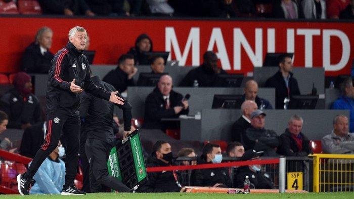Manajer Manchester United Ole Gunnar Solskjaer pada pertandingan sepak bola putaran ketiga Piala Liga Inggris antara Manchester United dan West Ham United di Old Trafford di Manchester, 23 September 2021.