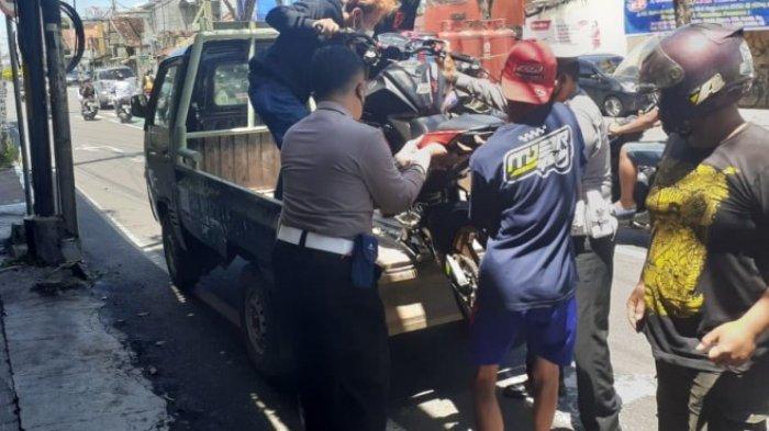 Nekat Standing Motor di Jalan Raya, Pemuda Ini Kena Getahnya, Motor Oleng Lalu Tabrak Tiang Listrik