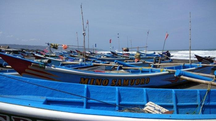 Angin Kencang dan Ombak Besar di Laut Selatan Jawa, Nelayan Pantai Depok Bantul Pilih Libur Melaut