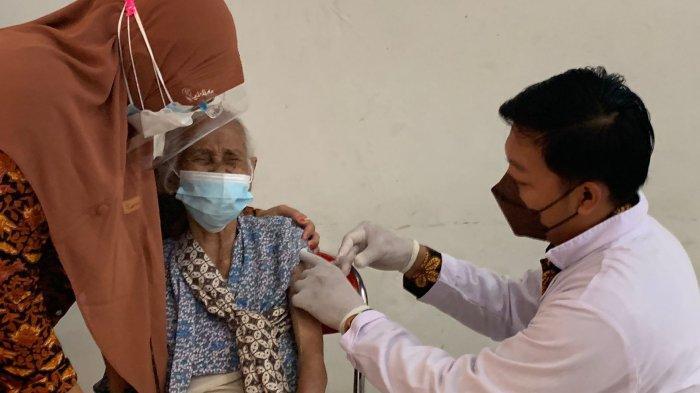 Sasar Masyarakat dan Pelajar, Binda DIY Gelar Vaksinasi Covid-19 di SMK N 2 Depok