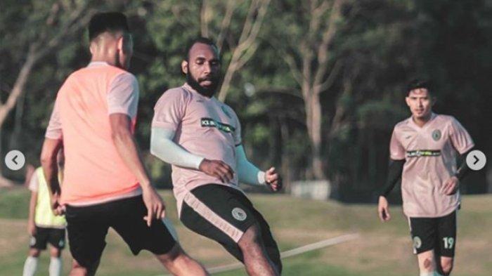 BREAKING NEWS : PSS Sleman Resmi Lepas Nerius Alom ke Sriwijaya FC