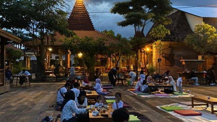 Ngabuburit Asyik di Semesta Borobudur, Live Music hingga Takjil Gratis
