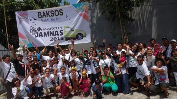 Bakti Sosial Ala Penggemar Mobil Nissan March