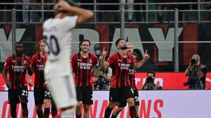 Olivier Giroud merayakan gol keempat timnya di Liga Italia Serie A antara AC Milan vs Cagliari di stadion San Siro di Milan, pada 29 Agustus 2021.
