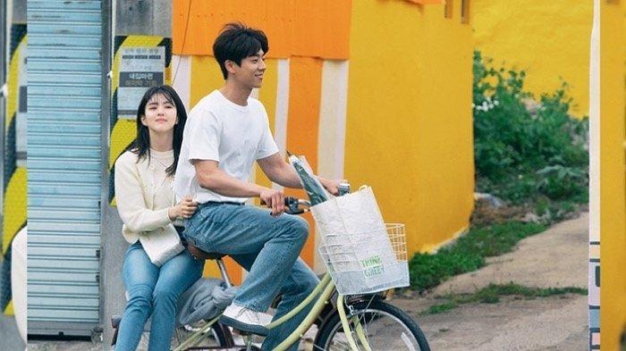 OST Nevertheless Part 7, Berikut Lirik dan Terjemahan Fall in Love (나도 모르는 사이에) - Jukjae (적재)