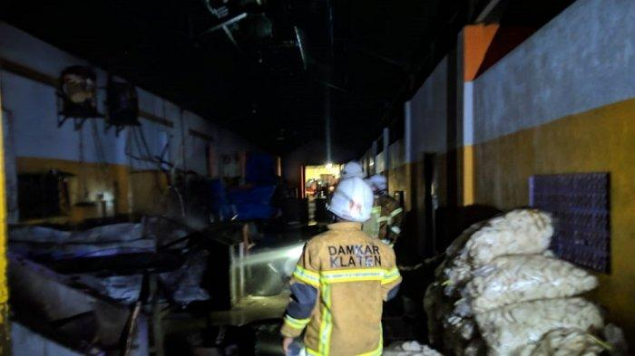 Pabrik Kerupuk di Klaten Terbakar, Butuh Satu Jam untuk Padamkan Api