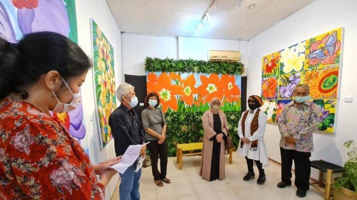 "Pameran ""Roepa Keluarga, Family Art Exhibition""."