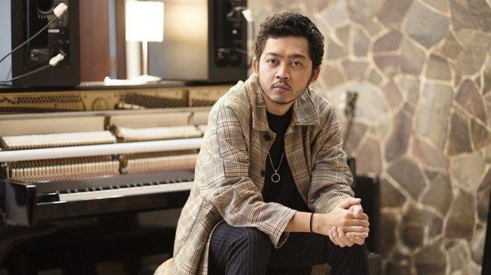 Lirik Lagu Pamungkas - To The Bone - Disertai Lirik Terjemahan Bahasa Indonesia