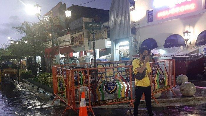 Papan Jalan Malioboro Dipagari Besi Teralis, Wisatawan Kecewa