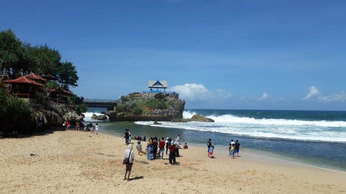Wisatawan Dan Warga Sambut Antusias Pembukaan Kembali Sejumlah Wisata Pantai Di Gunungkidul Tribun Jogja
