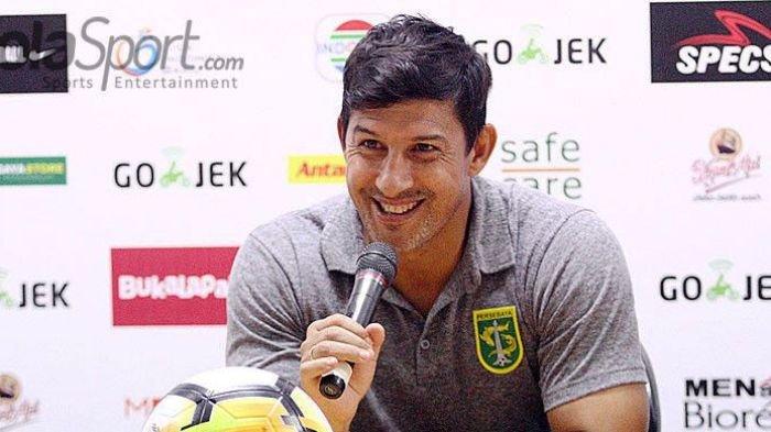Pecat Subangkit, Sriwijaya FC Belum Pasti Tunjuk Alfredo Vera sebagai Pelatih