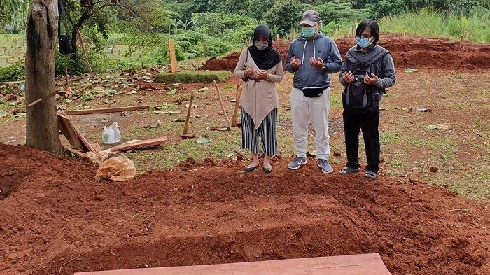 Potret Pemakaman Pasien Virus Corona yang Tanpa Dihadiri Pelayat, Warga Dilarang Berkumpul