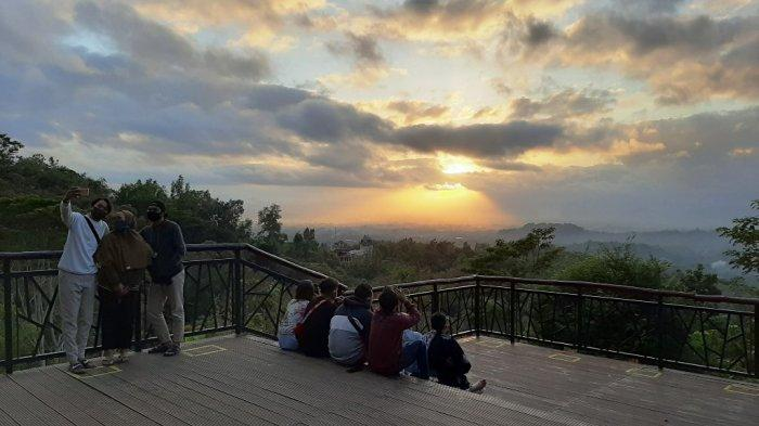 Wisata Alam 'Sunrise' Punthuk Setumbu Kembali Dibuka dan Menerapkan Protokol Kesehatan