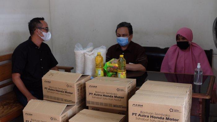 Bantu Atasi Dampak Pandemi Covid-19, AHM Distribusikan Sembako Hingga Penghujung 2020