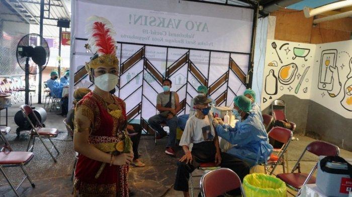 Pemda DIY Gelar Vaksinasi bagi Pelaku Seni Budaya di XT Square Yogyakarta