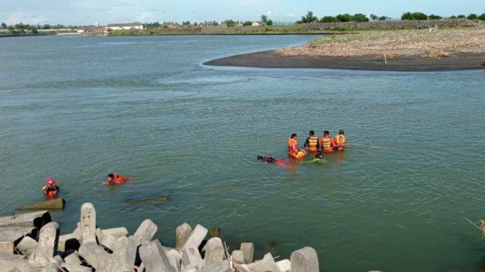 Radius Pencarian Korban Tenggelam di Muara Sungai Serang Pantai Glagah Kulon Progo Diperluas