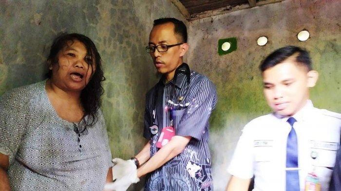Mantan SPG Menderita Gangguan Jiwa, Nyanyikan Indonesia Raya Setiap Malam Jumat Kliwon